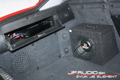 Alfa-Romeo-GT-audio (9 of 14)