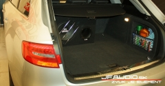 Audi-A4-B8-Avant-Audio (18 of 18)