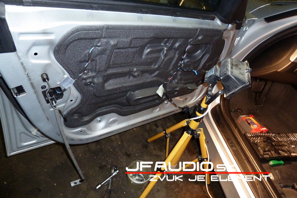 bmw-e91-jfaudio-by-ground-zero-10