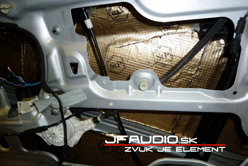 bmw-e91-jfaudio-by-ground-zero-15