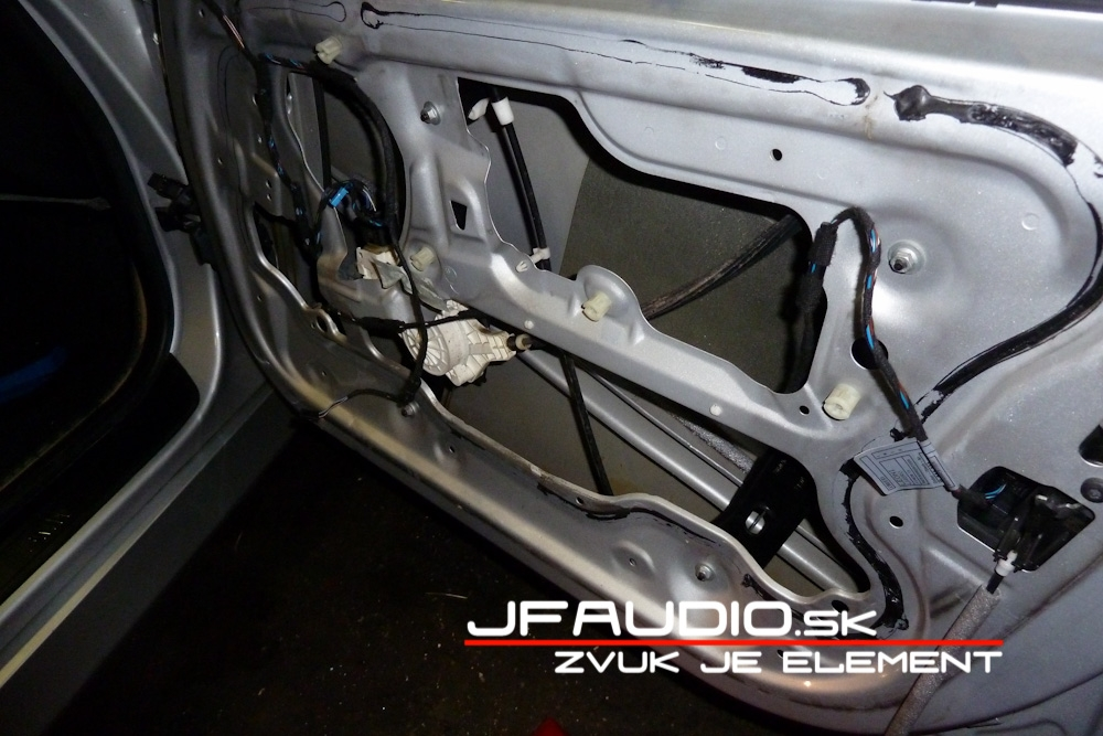 bmw-e91-jfaudio-by-ground-zero-7