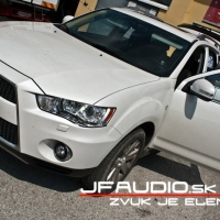 mitsubishi-outlander-dvd-opierky-2014  (8 of 8)