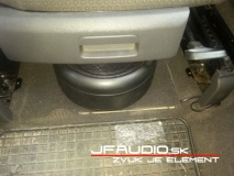 vw-touran-pioneer-subwoofer-3-of-9