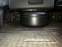 vw-touran-pioneer-subwoofer-4-of-9
